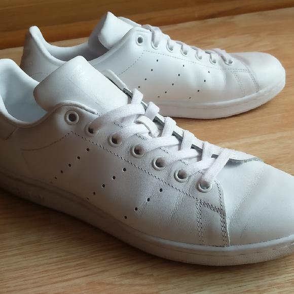 size 40 83cb8 e1cad adidas Shoes | Mono White Stan Smiths | Poshmark